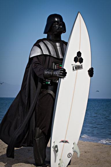 Meme Vader surfeando